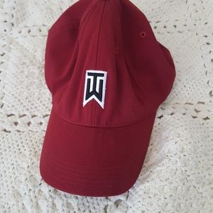 {Nike} Tiger woods red cap